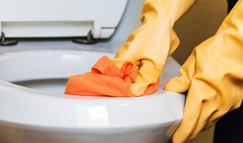 WC Spülung spritzt über